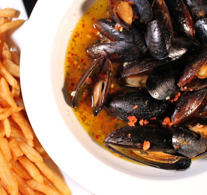 Portsmouth Publick House Gallery Mussels And Fries Min